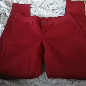 Ladies New, maurices red jeggings, size M-R!